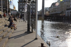Hamburg center - by Alster and Rathaus