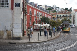 Transport in Lisbon - better use tram, bus and metro