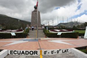 Quito - Mitad del Mundo - be in the center!